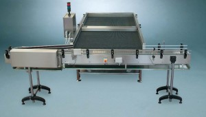 Automatic accumulation table with electrical cabinet
