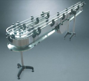 Conveyor system with driptray and lubrification tank