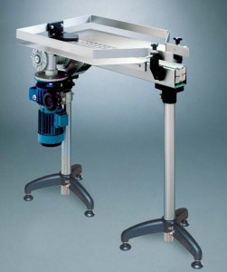Motorized driving head with rectangular accumulation table